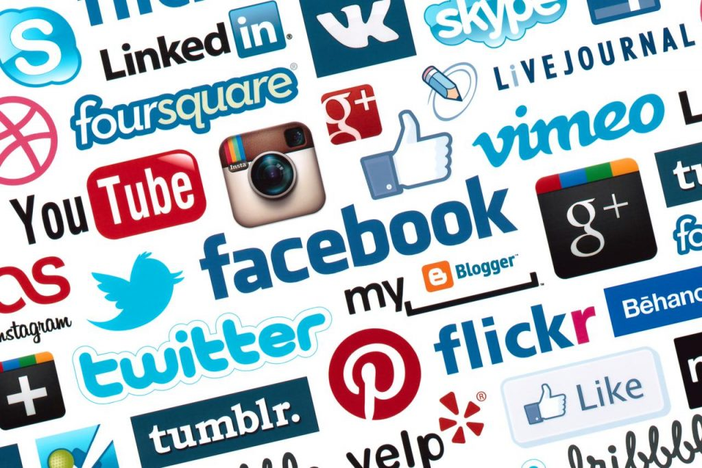 「social media」的圖片搜尋結果