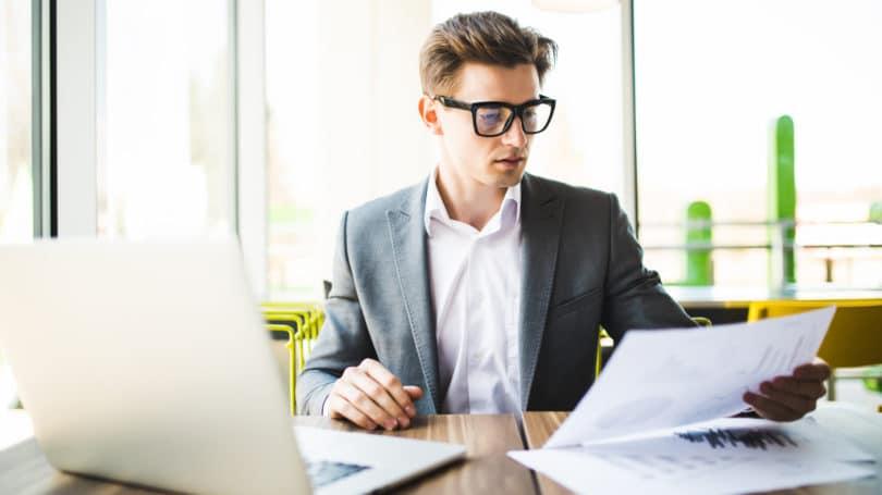 Consultant Glasses Paper
