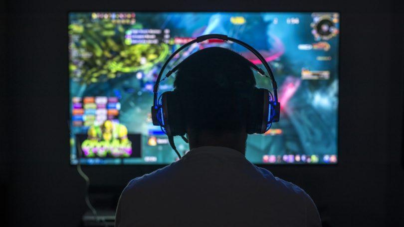 Gamer Headset Computer Screen Neon Silhouette